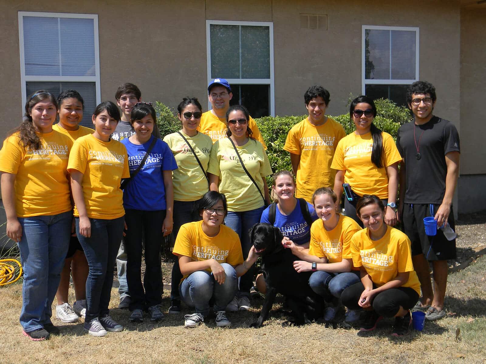 Volunteer Groupshot 1
